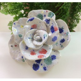 Dekorativer Blumen - Gartensteckeraus Keramik. 11cm Ø , auf Holzstab - Regionen Italiens